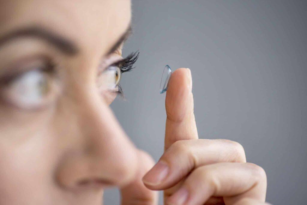 Emergenza COVID-19: le lenti a contatto si confermano la forma di correzione sicura e altamente efficace.